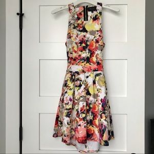 Romeo & Juliet Couture Medium Skater Dress 👗